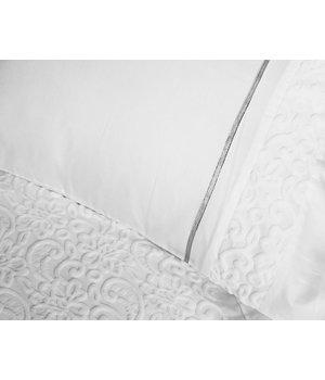 """Primaviera Deluxe Satijnen dekbedovertrek in wit kleur met geribbelde stroken in barok dessin """"Eclipse"""" - Copy"""