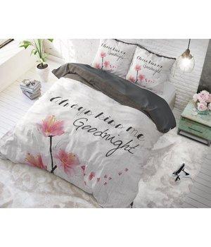 Sleeptime Elegance dekbedovertrek ''kiss me'' wit met bloem
