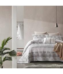 Dreamhouse Bedding Luxe bedsprei ''Elegant Stripe'' grijs