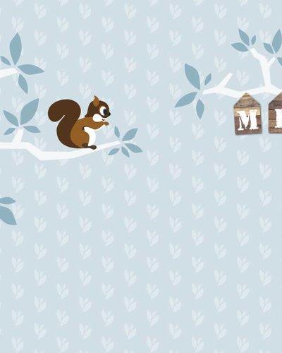 Behang boom en eekhoorn blauw