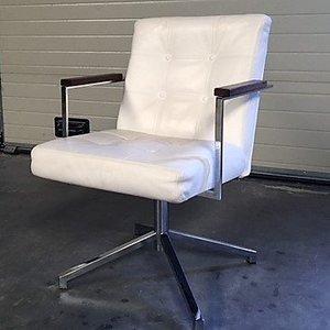 Eetkamer stoel wit leder draaibaar