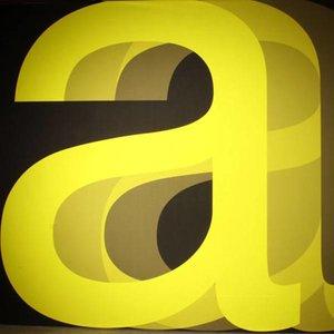 Doek letter A zwart geel ca 225 x 225cm