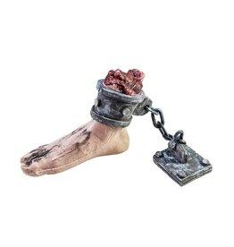 EUROPALMS EUROPALMS Halloween Foot with chain, 25x10x17cm