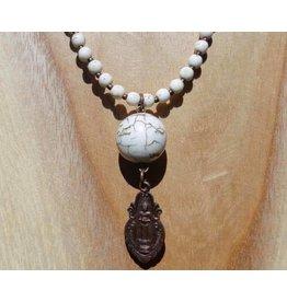 JewelryByM ketting witte howliet & staande Boeddha