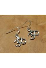 Shanti earrings Ohm