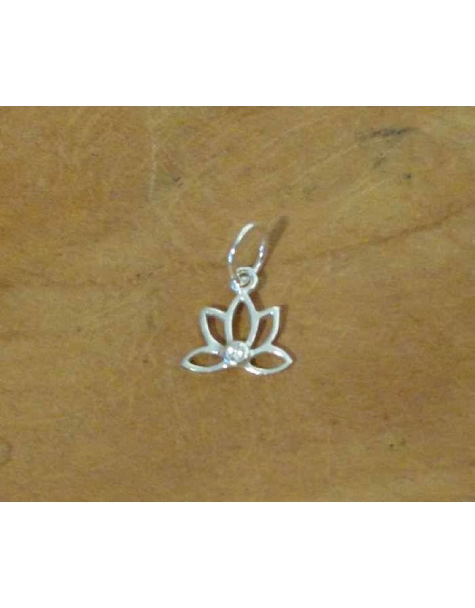 Shanti pendant lotus zirconia