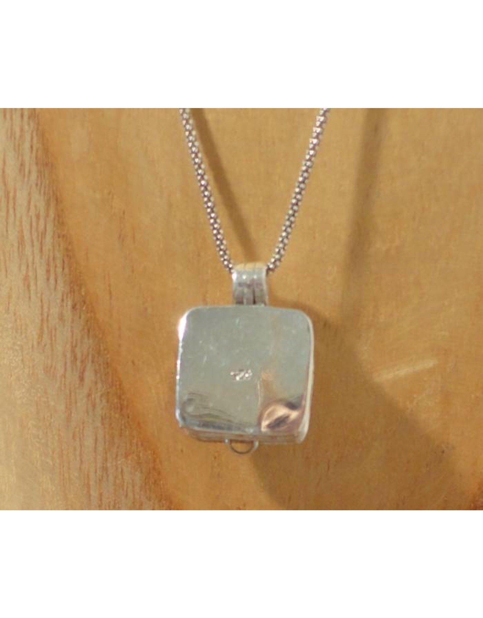 Keepsake locket square garnet