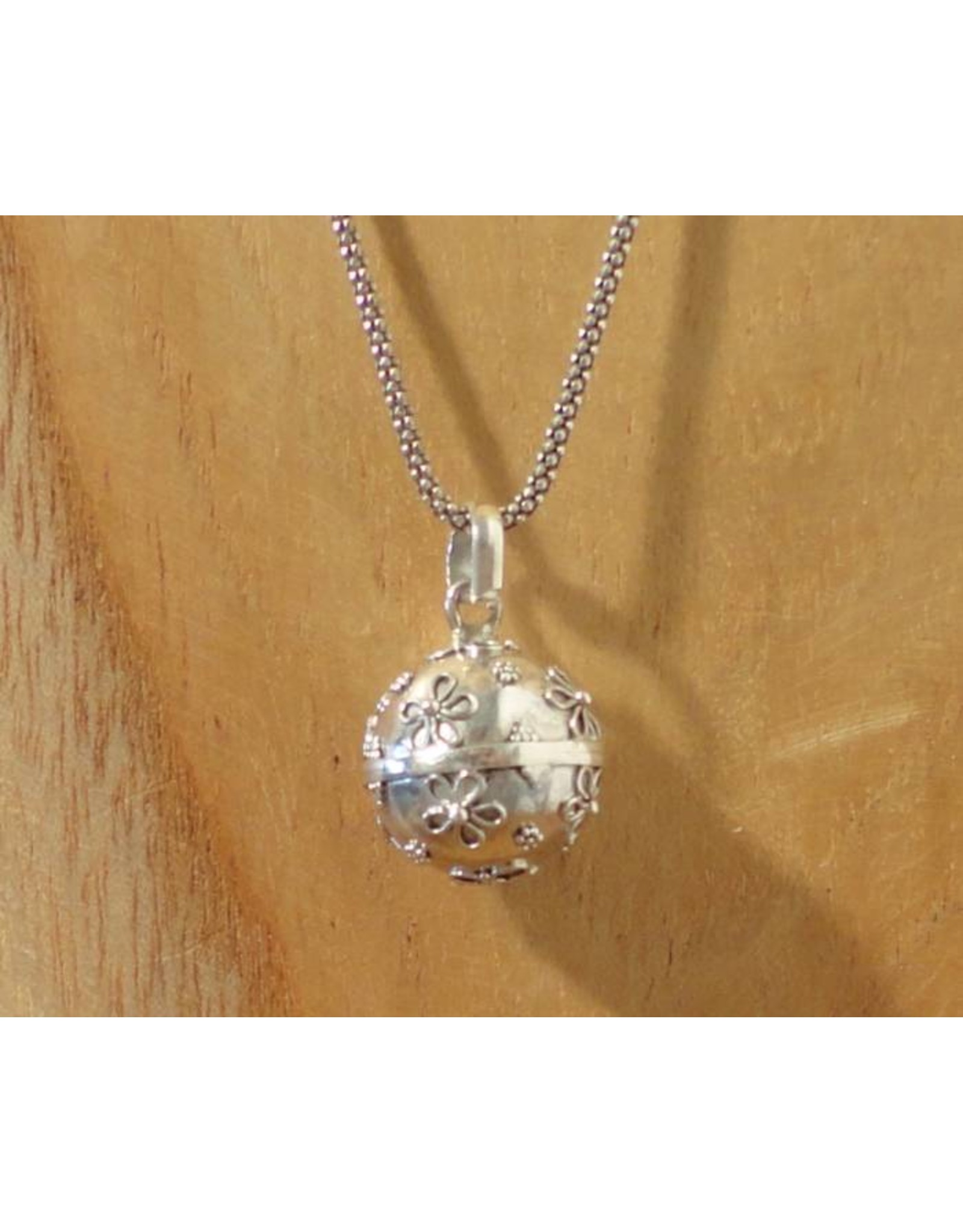 Pregnancy pendant flower