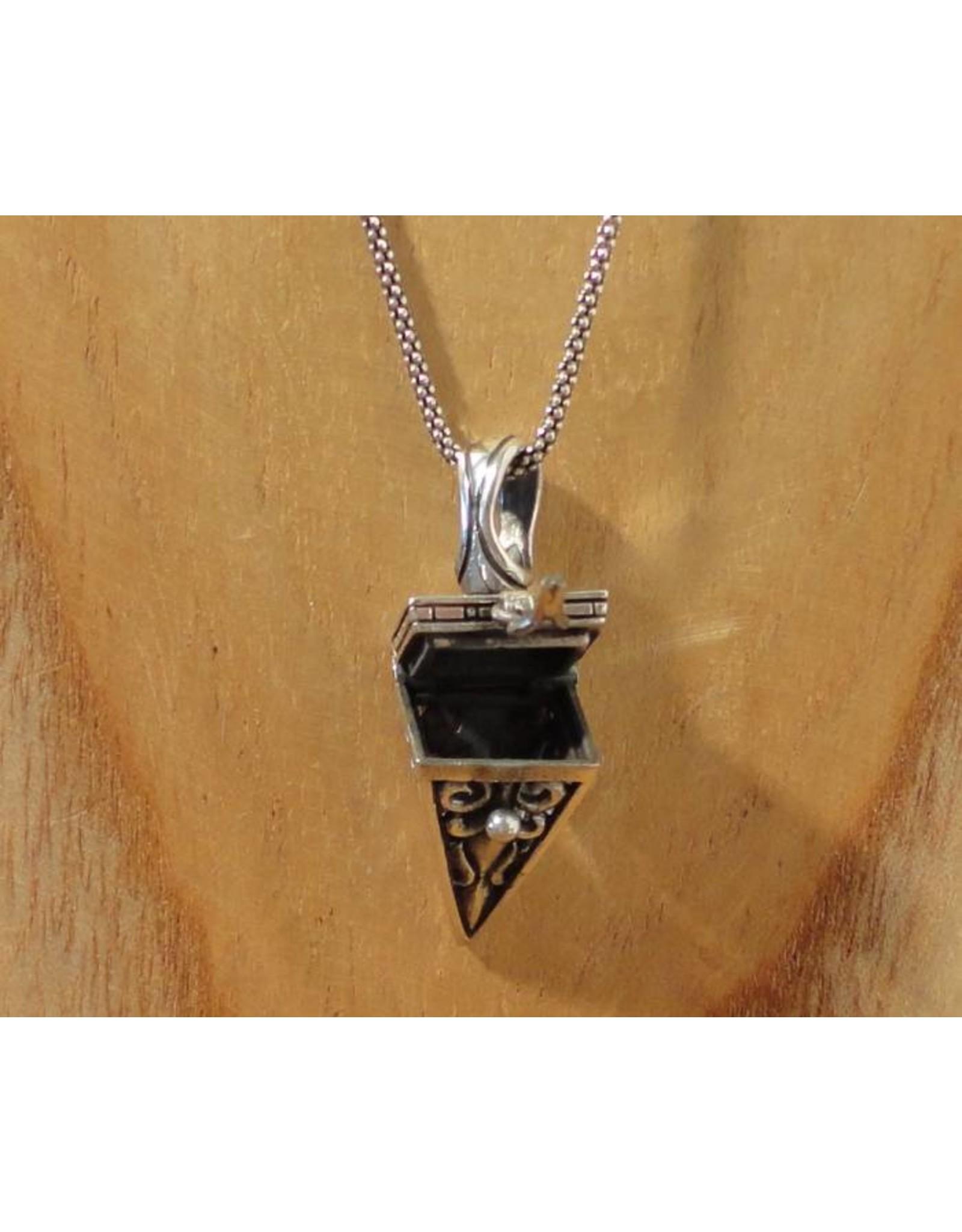 Keepsake locket pyramid