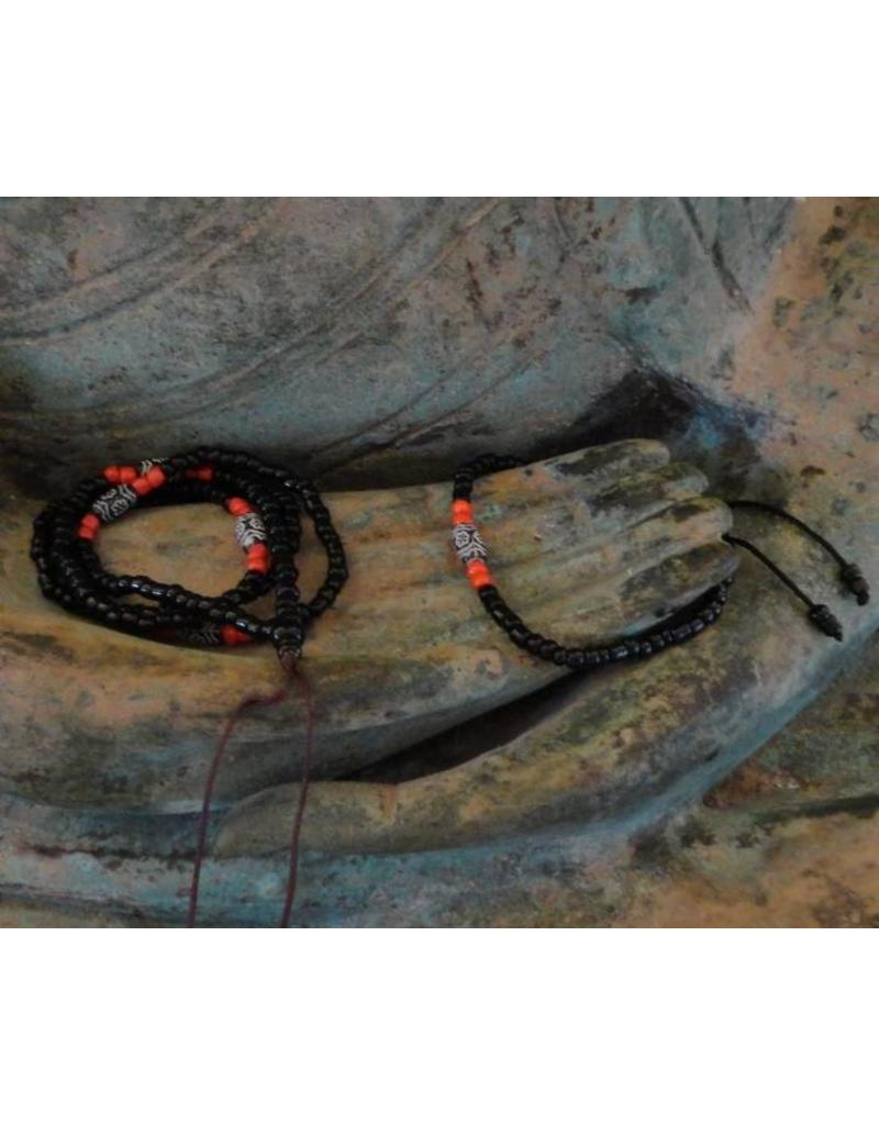 Dakini Mala set van zwarte en rode glaskralen