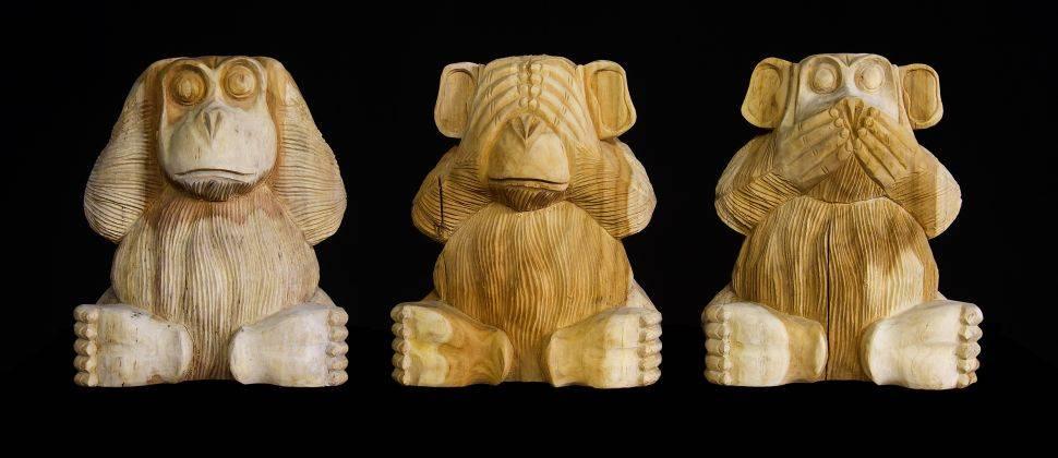 Main la sculpture sur bois