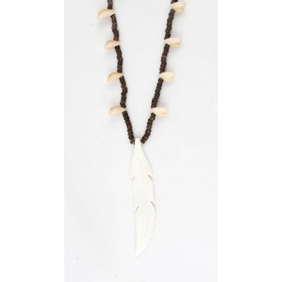Long necklace with wooden beads and schalepjes