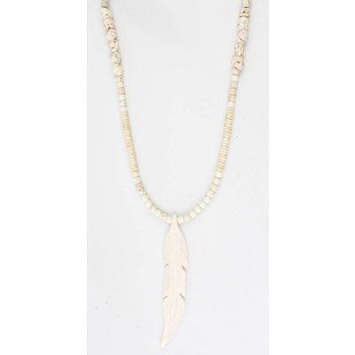 Lange ketting 'Feather' met natuursteen en suedine off white