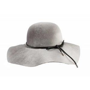 "Flap hat ""Bow"" grey"