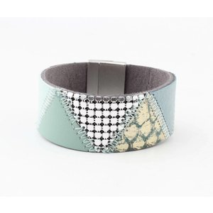 "Bracelet leather "" Niva "" aqua"