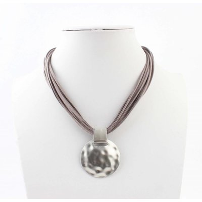 """Short necklace """"Liva"""" grey"""