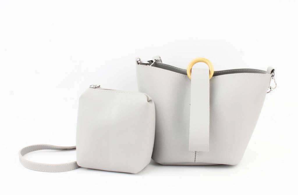 Grijze minisatchel met cowboygespen Mode tassen