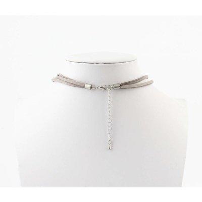 "Short necklace ""Neva"" grey"