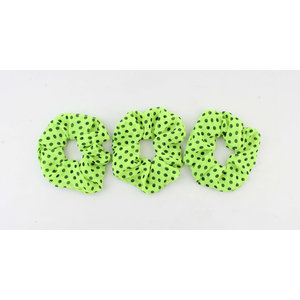 Scrunchie light green with black dots, per 3pcs.