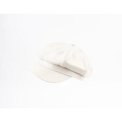 "Balloon cap ""Dafne"" cream lacquer"