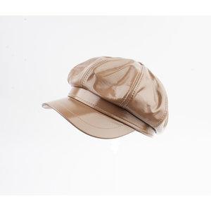 """Balloon cap """"Dafne"""" brown lacquer"""