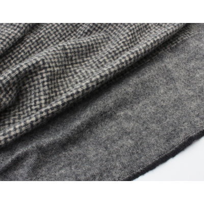 "Scarf ""Macacay"" gray"