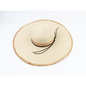 "Flap hat ""Cristine"" beige"