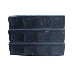 Fluweel doos met 12 kussentjes in zwart