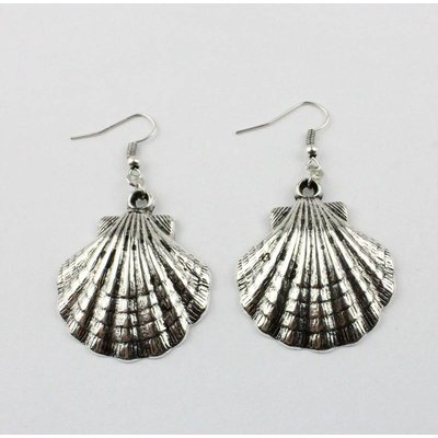 Shell shape earring