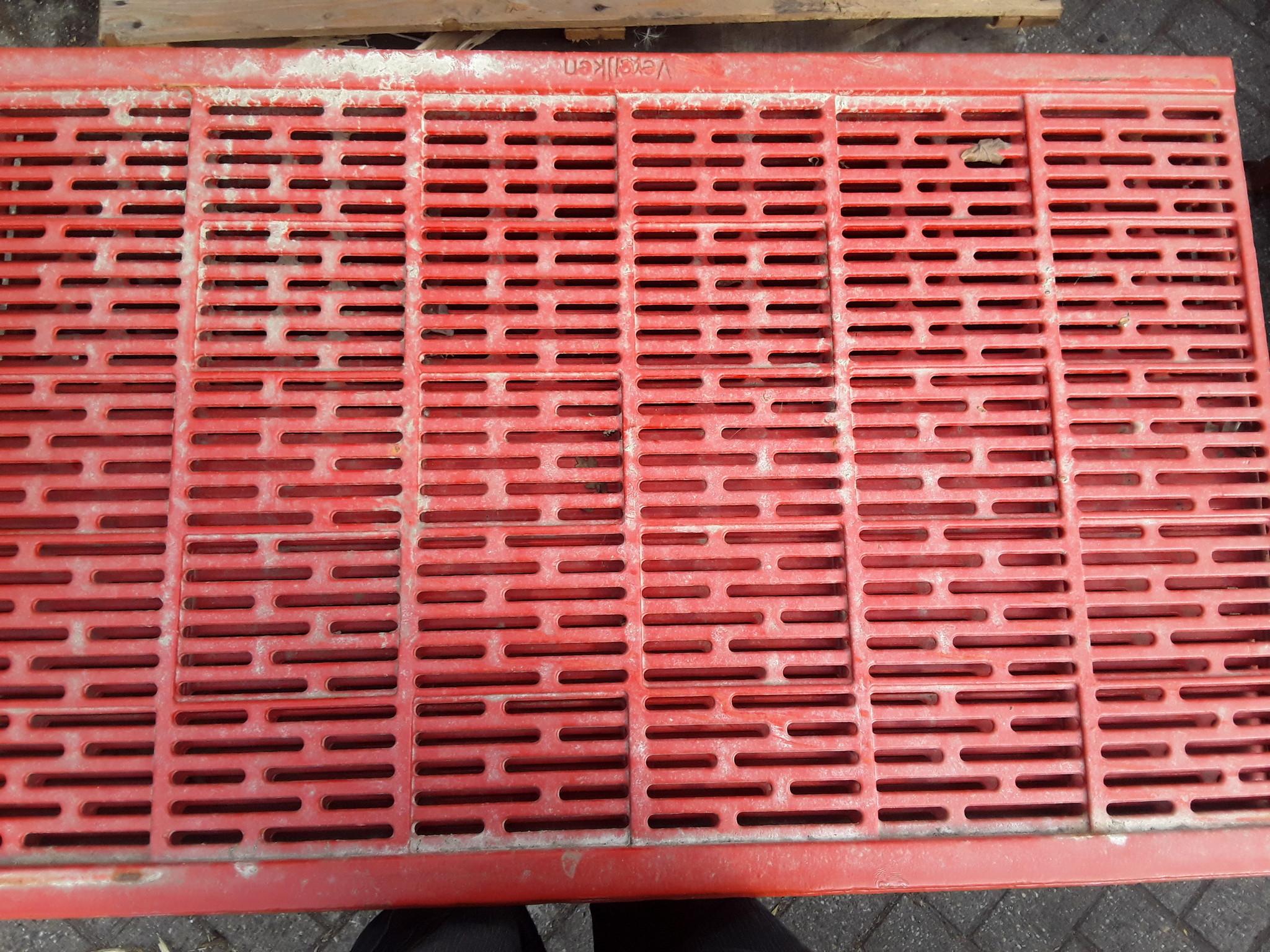 Gietijzeren rooster 1000x635 hoekopleg (open)
