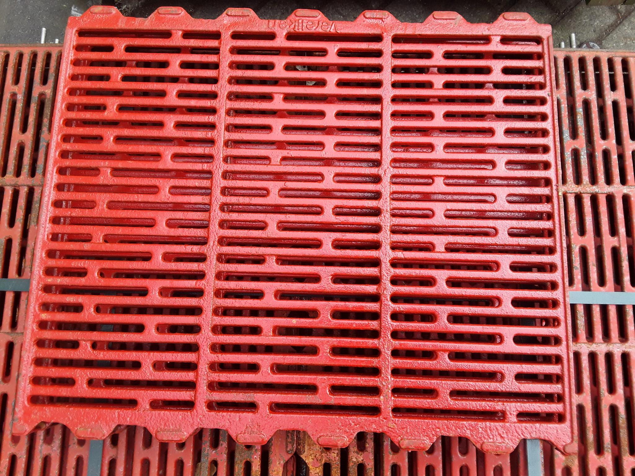 Gietijzeren rooster 600x500 vertand (open)