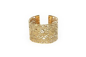 Julia Burness Isla Cuff
