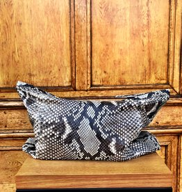 ATELIERAMSTRDM Big Soft Clutch