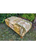 Guinevere Vintage poef hocker voetenbank barokkleedjes