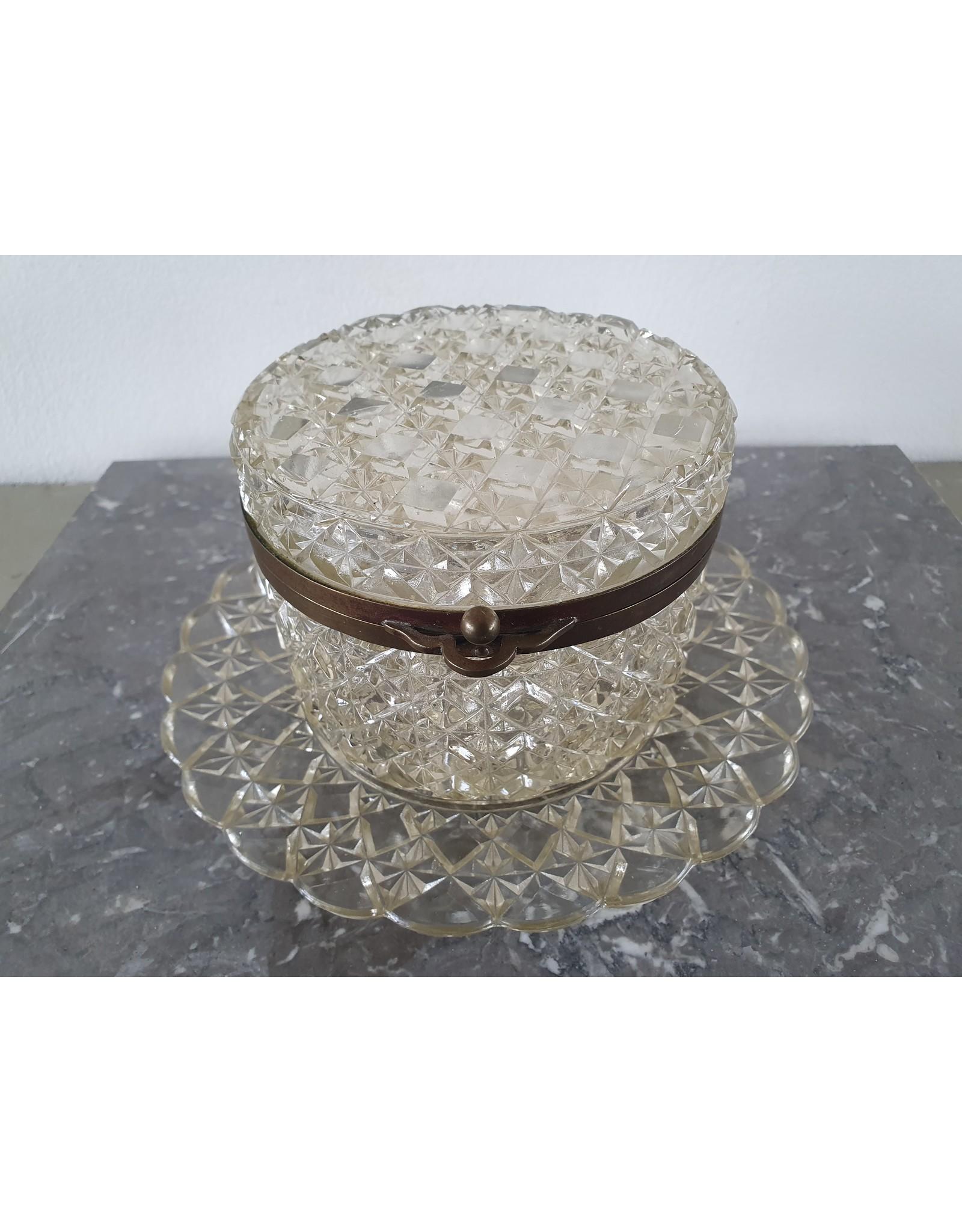 Antiek glazen sieraden schaaltje