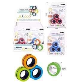 Magnetic Finger Trick Rings 3 stuks op kaart assorti kleur