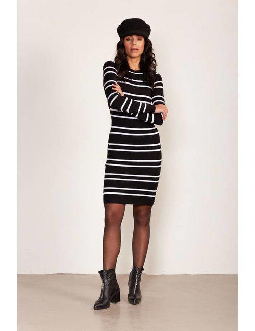 Jacky Luxury Ribgebreide jurk met streepdessin