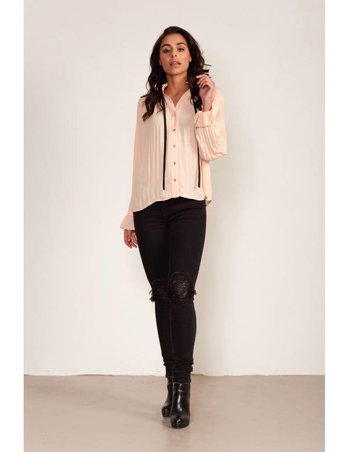 Jacky Luxury Plisséblouse met striksluiting