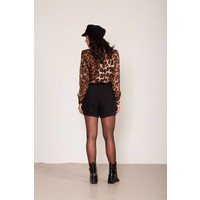 Shorts met velvet ceintuur