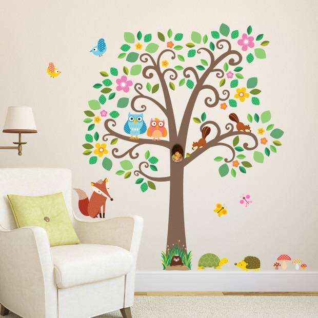 Decowall Muursticker boom scroll tree met bosdiertjes
