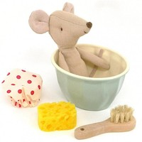 Maileg big sister mouse in bath 'Spa & Wellness mouse'