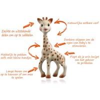 Sophie die Giraffe beißt Spielzeug Sophie die Giraffe