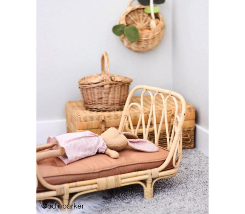 Poppie Rattan doll's bed with brown mattress