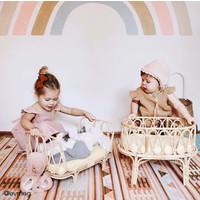 Poppie Rattan Puppenwiege mit weißer Matratze