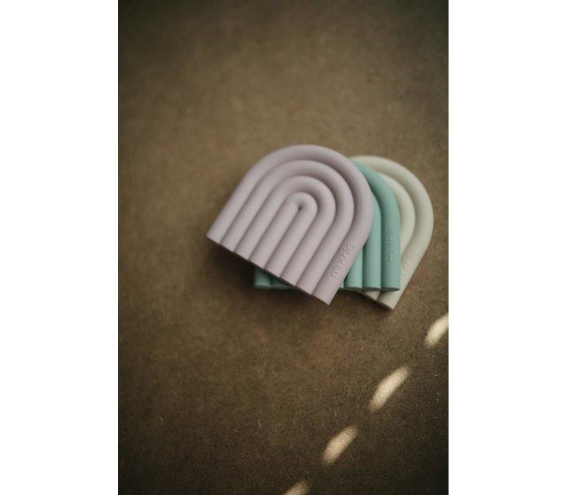 Mushie silicone bijtspeeltje regenboog Shifting Sand