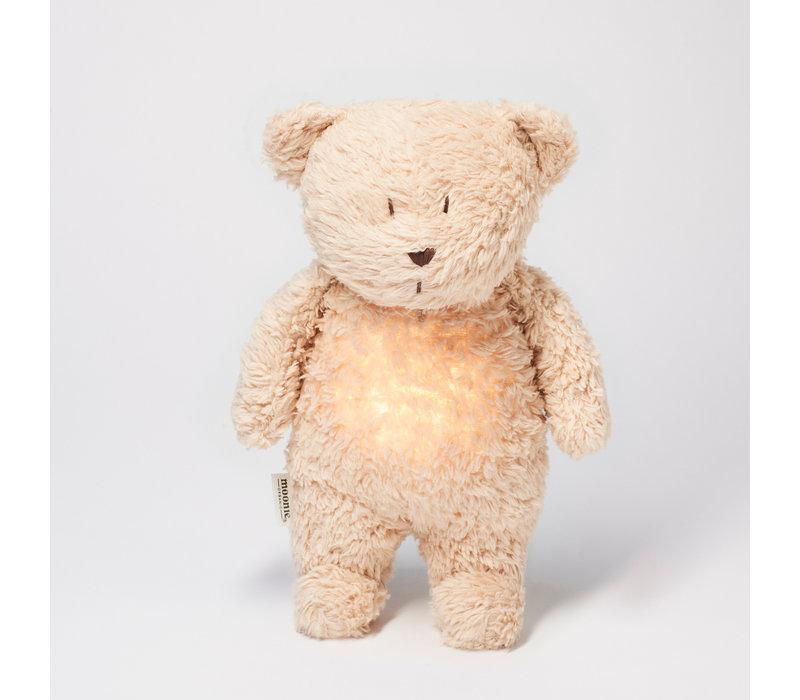 Moonie umarmt Herzschlag und leichten Bärensand