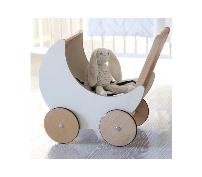 Ooh Noo doll car