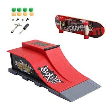 Skatepark Skatepark Drop In Small met skateboard