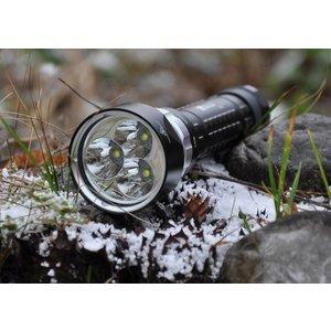 Solarstorm Wasserdichte Taschenlampe 2700 Lumen