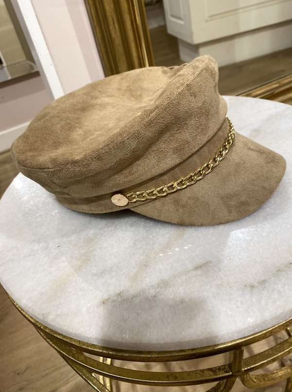 Gold chain hat camel